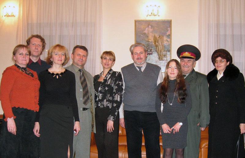 Художник Андрей Кулагин на выставке