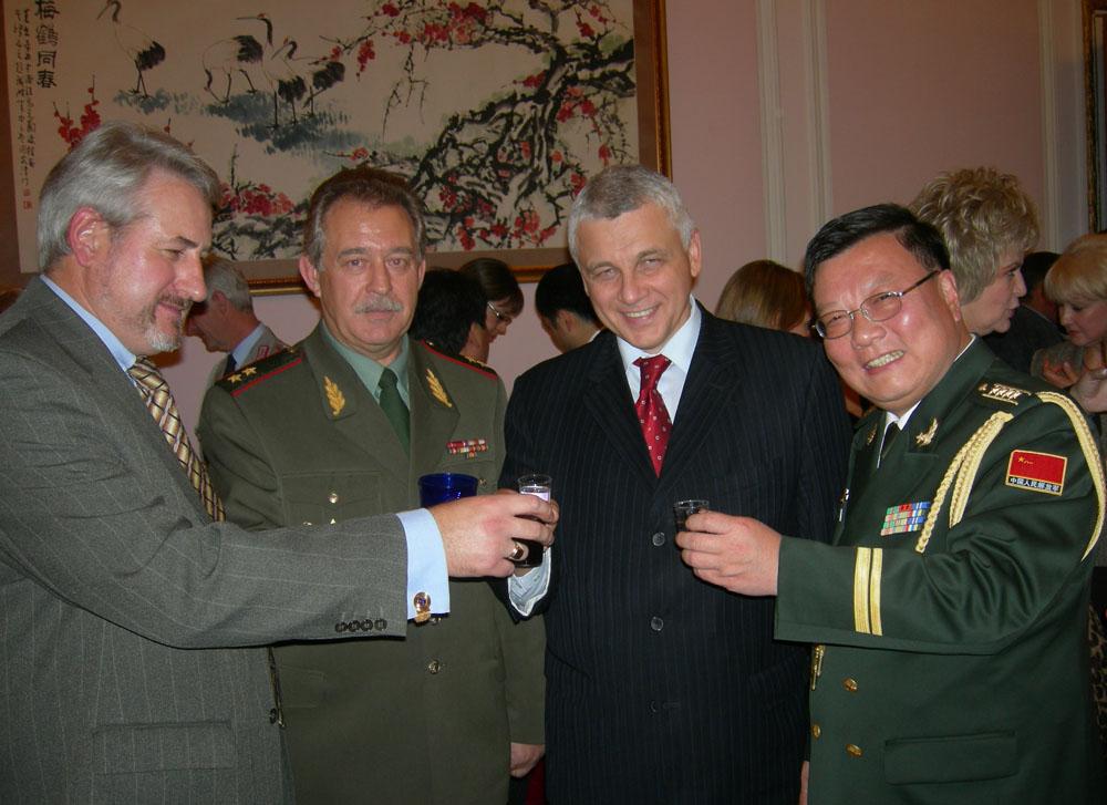 Андрей Кулагин, художник, на приеме в МИДе