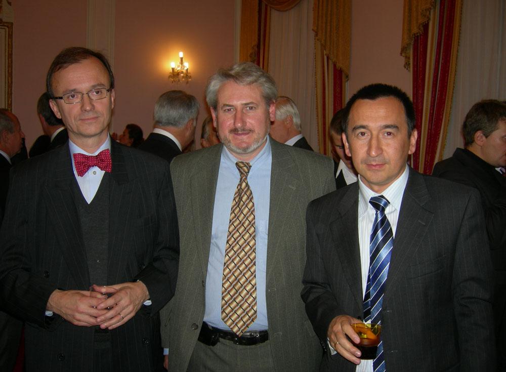 Андрей Кулагин, художник, с послом Узбекистана