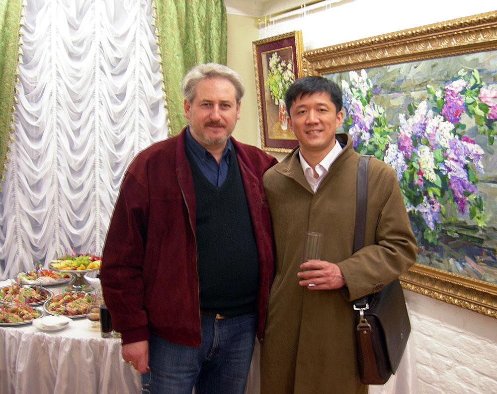Андрей Кулагин, художник, с атташе по культуре Китая Чжоу Хау